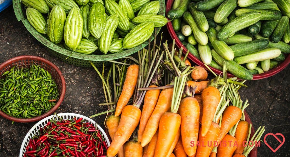 50 super alimentos que son fundamentales. ¿Cuántos tomas?