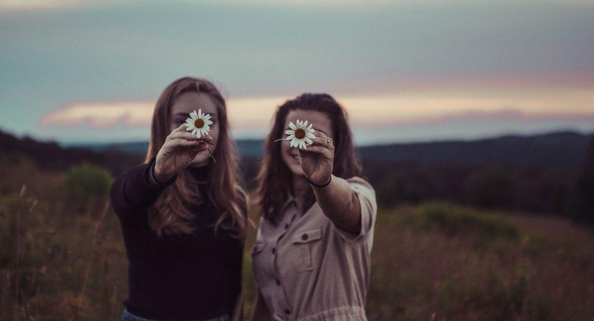 Cómo encontrar amigos que te ayuden a ser tu mejor versión