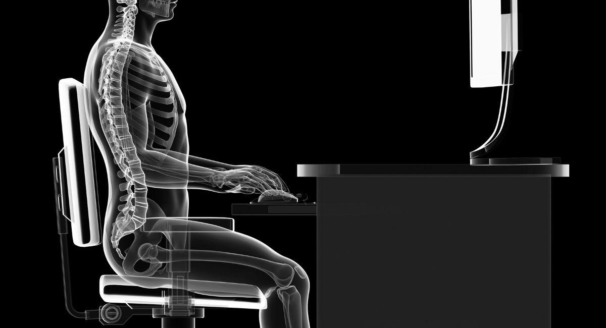 14 Malos hábitos que hacen daño en la espalda