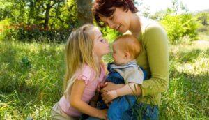 10 comportamientos que enseñan a los niños valiosas lecciones de la vida