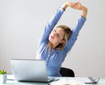 Estiramientos en el trabajo: cómo puedes hacerlos