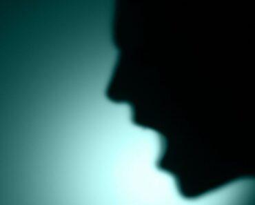 4 comportamientos ocultos que muestra una persona abusiva antes de revelarse